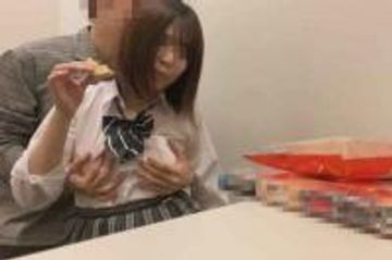 【個撮】都立普通科②家出少女が宿泊代のためネカフェで犯される