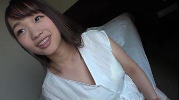 Fカップ巨乳の真面目な19歳女子大生が初ハメ撮りで本気で喘ぐ