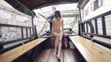 【野外露出チャレンジ】羞恥チャレンジ、観光スポットで全裸露出。