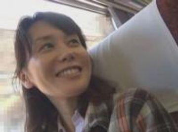 32歳スレンダー美人妻の千鶴さんと旦那に内緒でハメ撮り温泉旅行に行ってきちゃいました!