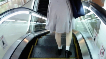 ショッピングモールで、声優志望のロリ巨乳にフェラで抜いてもらった 個人撮影、完全オリジナル
