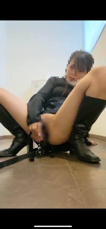 【人妻素人】職場トイレでニ穴オナニー アナル 貞操帯