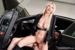 HORNY GILF GETS FUCKED IN A CAR PARKING GARAGE
