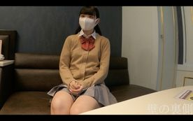みおちゃん未公開作品!実際着用していた制服を着て目隠ししたまま生ハメごっくん!