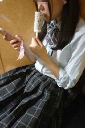 【個撮】県立普通科②華奢な女の子。ネットカフェでハメ撮り