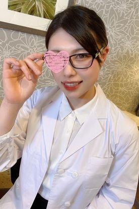 名門大卒の保健室の美人先生。欲望を解放した汗だくセックスでデカクリおマンコに大量中出し&ねっとり濃厚フェラで黒メガネに大量顔射&白衣のままびしょ濡れシャワーセックス